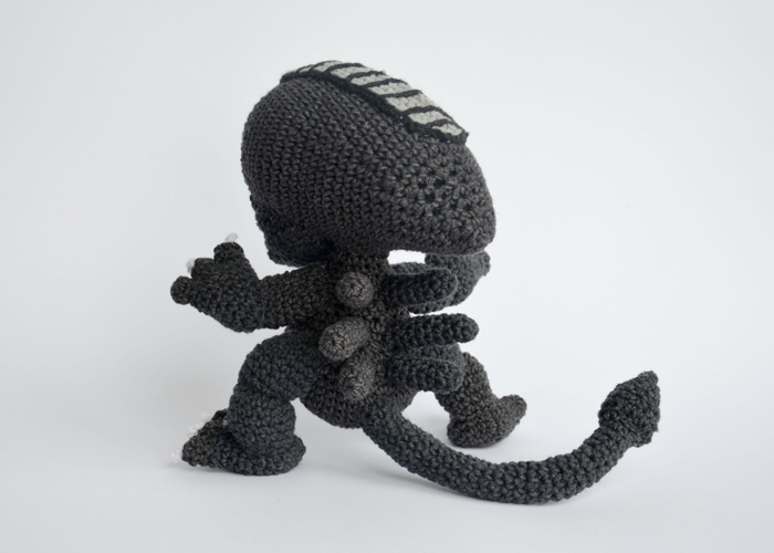 Crochet Xenomorph : Krawka Crochet is selling her awesome Crochet Xenomorph Pattern so you ...