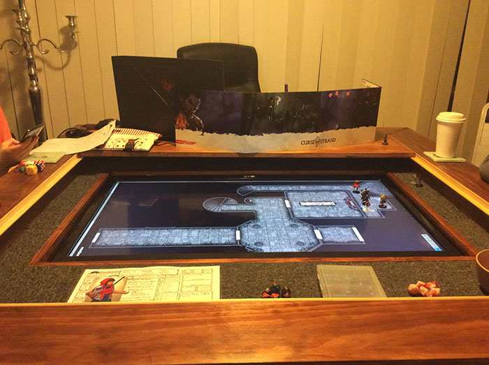 Dungeons & Dragons Table With Built in TV