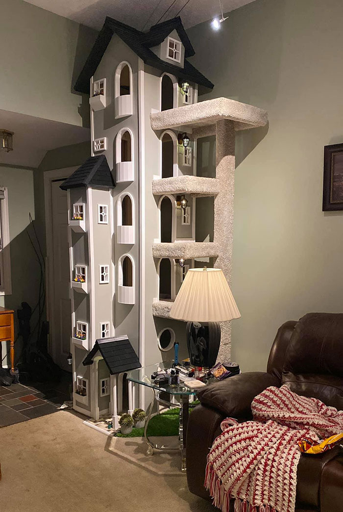 Epic Kitty Tower