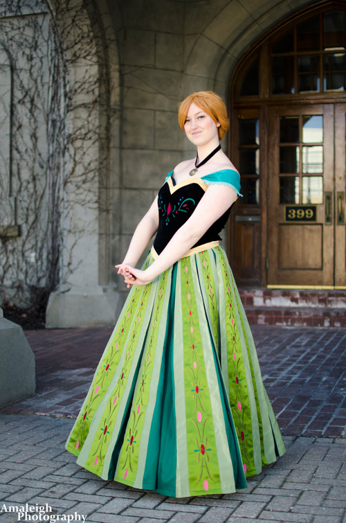 Coronation Anna from Frozen Cosplay