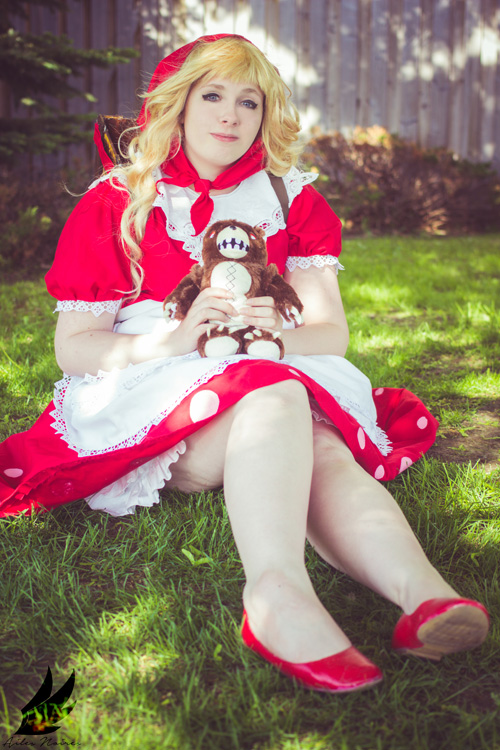 Red Riding Annie from League of Legends Cosplay