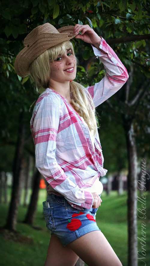 Applejack from My Little Pony Cosplay