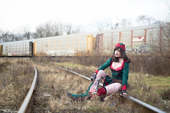 Christmas Mad Moxxi Cosplay