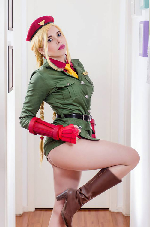 Cammy from Street Fighter Cosplay