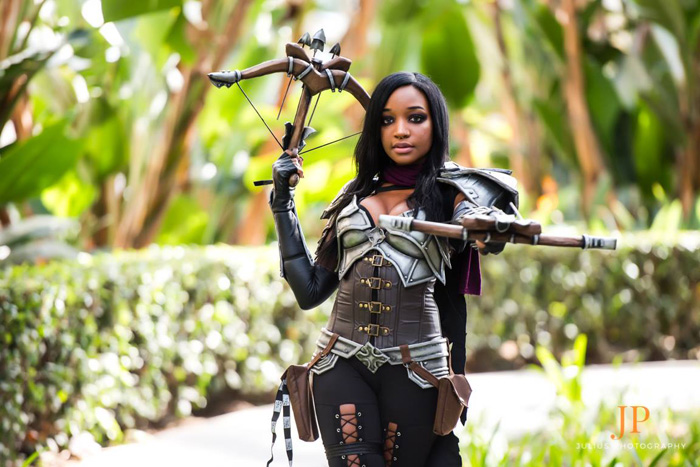 Demon Hunter from Diablo III Cosplay