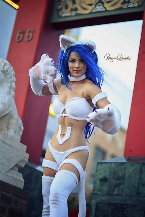 Felicia from Darkstalkers Cosplay