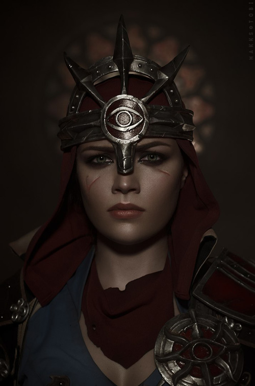 Inquisitor Trevelyan from Dragon Age: Inquisition Cosplay