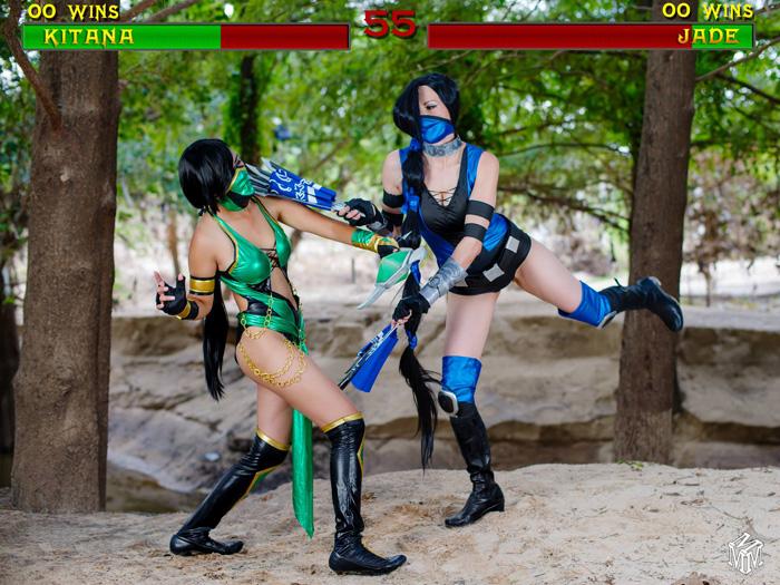 Kitana vs Jade from Mortal Kombat Cosplay
