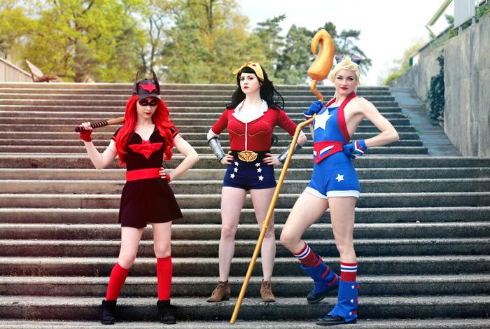DC Bombshell Group Cosplay