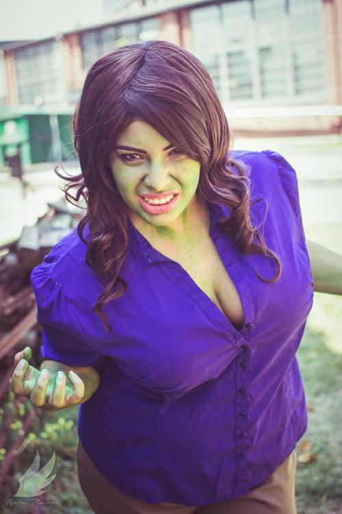 Genderbent Bruce Banner/Hulk Cosplay