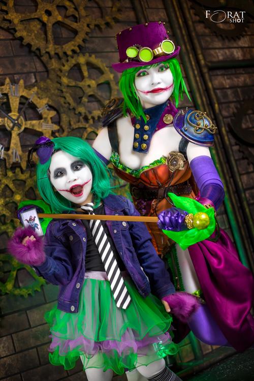 Duela Dent & Little Genderbend Joker Cosplay