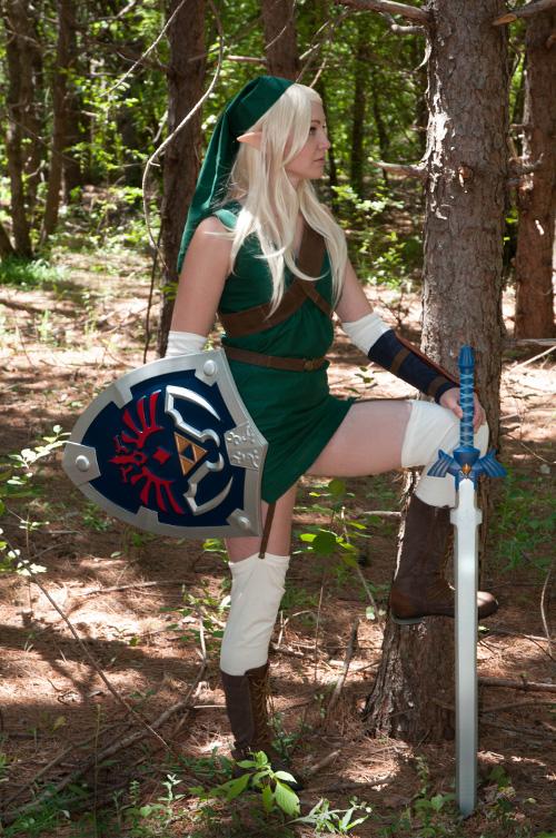 link from the legend of zelda cosplay