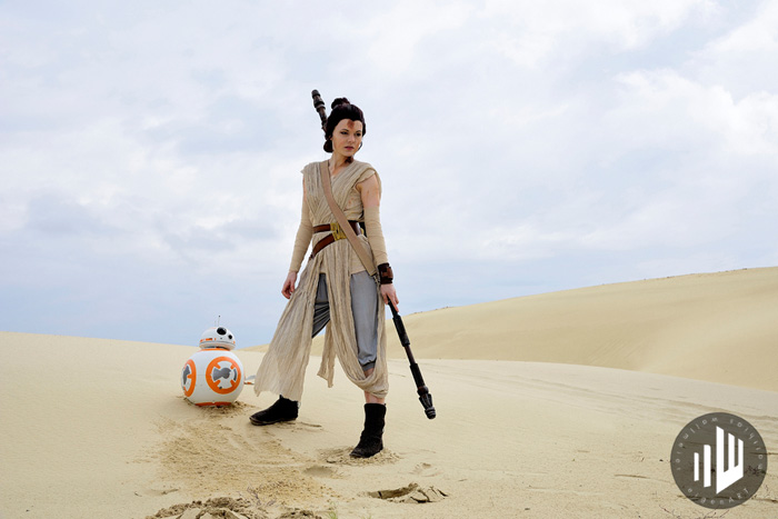 Rey Kylo & BB-8 Cosplay