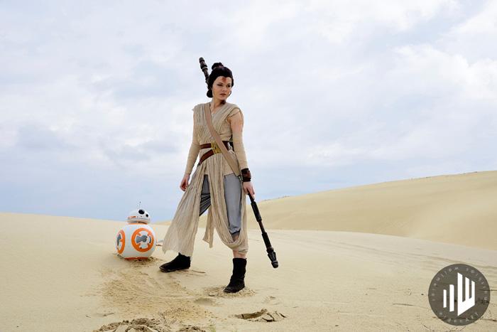 Rey Kylo & BB-8 Cosplay