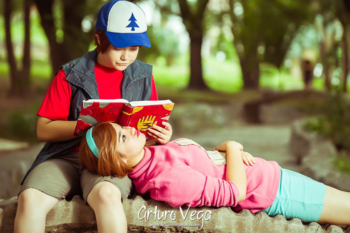 Dipper & Mabel from Gravity Falls Cosplay