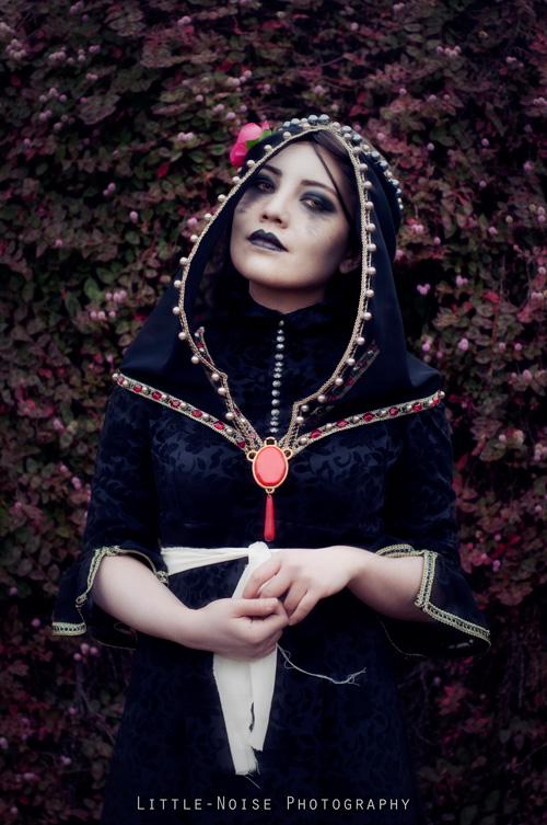 Iris Von Everec from The Witcher 3 Cosplay