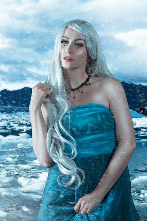 Frozen Khaleesi Cosplay