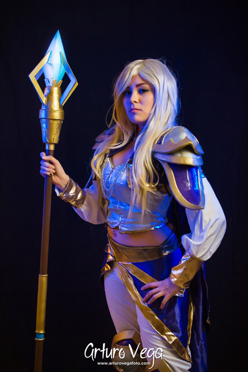 Jaina Proudmoore from Hearthstone: Heroes of Warcraft Cosplay