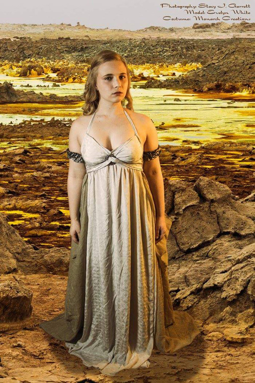 Daenerys from Game of Thrones Cosplay