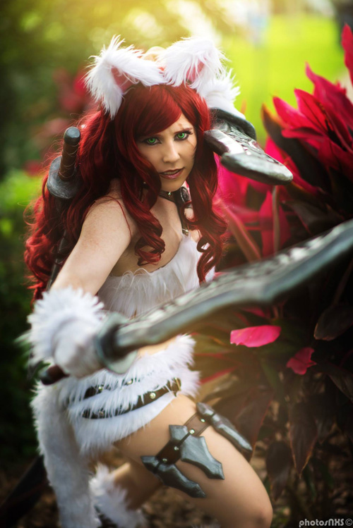 Kitty Kat Katarina from League of Legends Cosplay