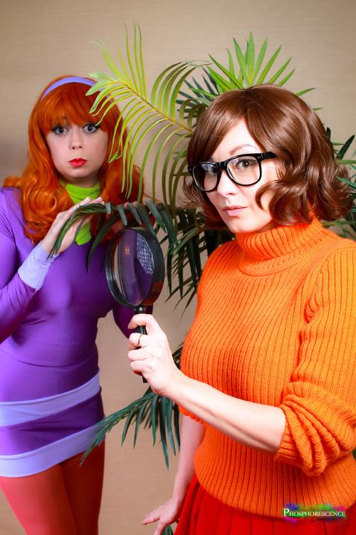 Daphne & Velma from Scooby-Doo Cosplay