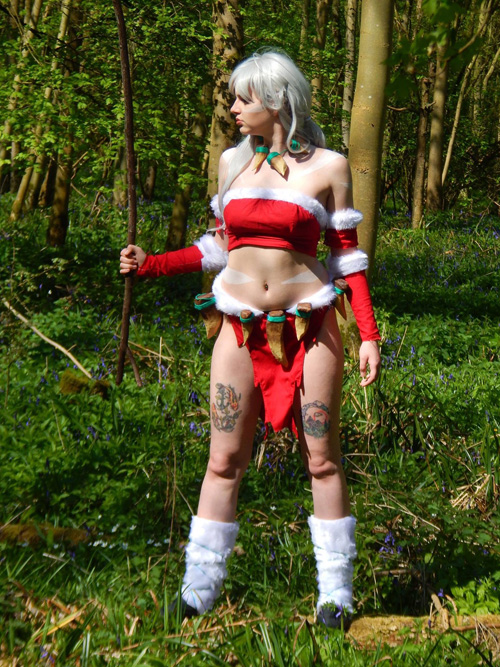 Snow Bunny Nidalee from League of Legends Cosplay
