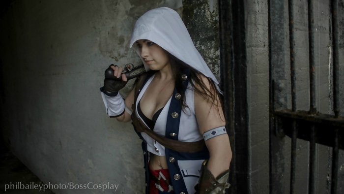 Genderbent Connor from Assassins Creed III Cosplay