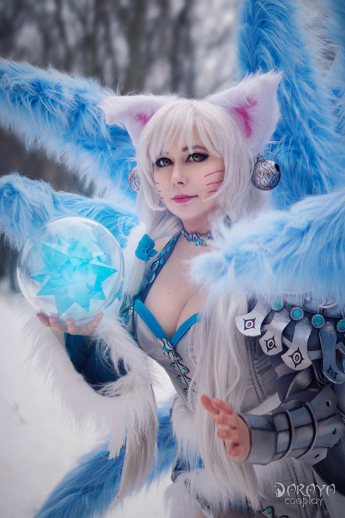 Ice Ahri from League of Legends Cosplay