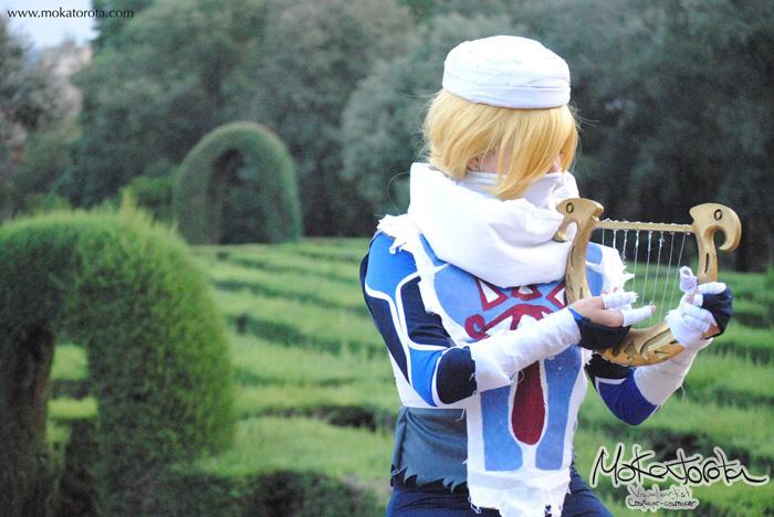 Sheik from The Legend of Zelda Cosplay