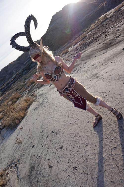 Blood Elf Demonhunter from World of Warcraft Cosplay