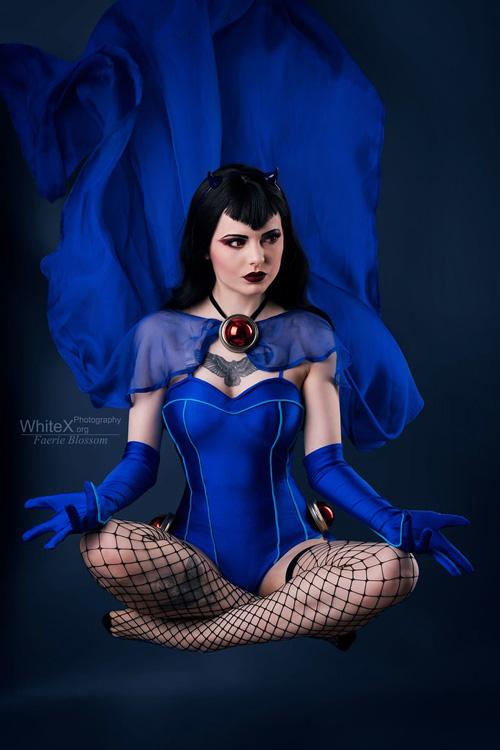 DC Bombshell Raven Cosplay