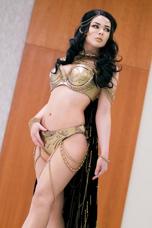 Queen Xerxes from 300 Cosplay