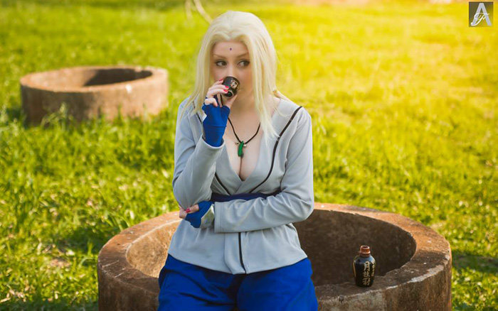 Tsunade from Naruto Cosplay