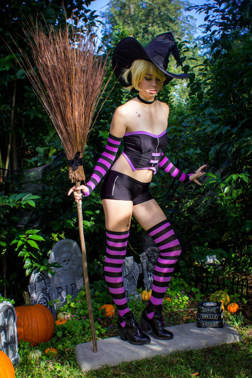Sabrina the Teenage Witch: The Magic Within Cosplay