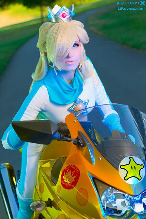 Rosalina from Mario Kart 8 Cosplay