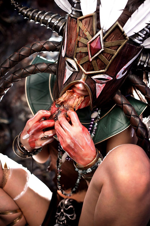 Witch Doctor from Diablo III Cosplay
