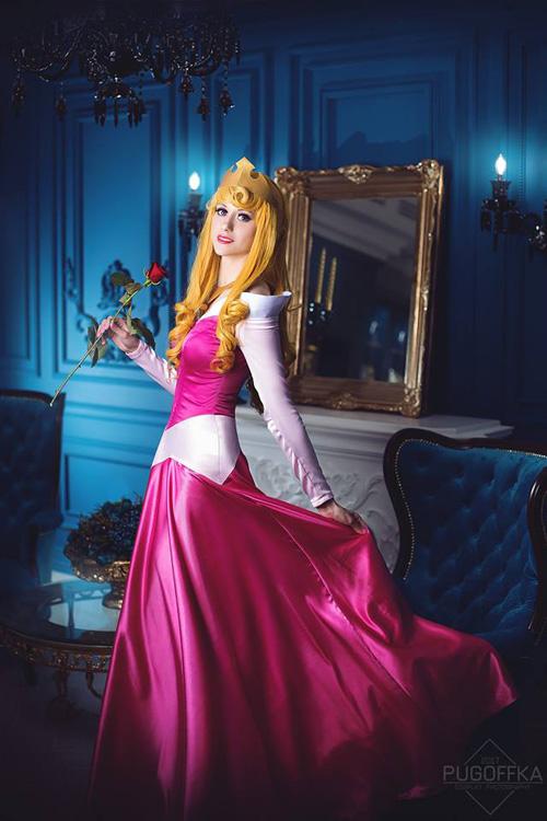 Aurora from Sleeping Beauty Cosplay