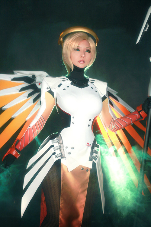 Mercy from Overwatch Cosplay