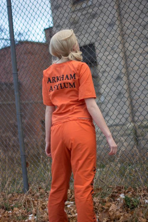 Arkham Prison Harley Quinn Cosplay