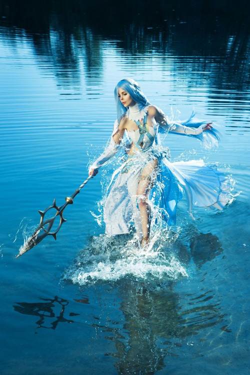 Azura from Fire Emblem V Cosplay