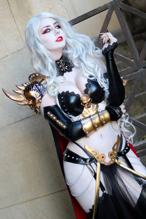 Lady Death Cosplay