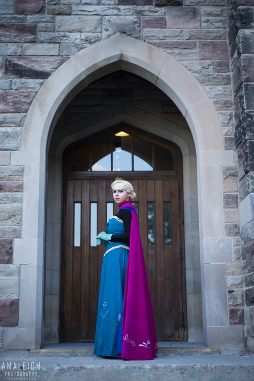 Elsa and Anna from Frozen Cosplay