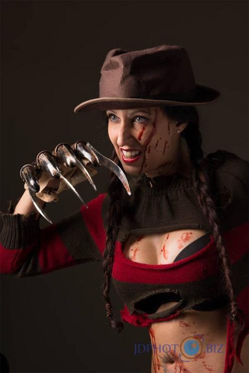 Fem Freddy Krueger Cosplay