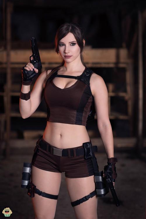 Lara crof porn