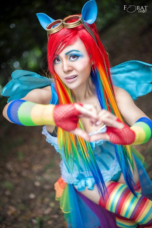Rainbow Dash Gijinka Cosplay