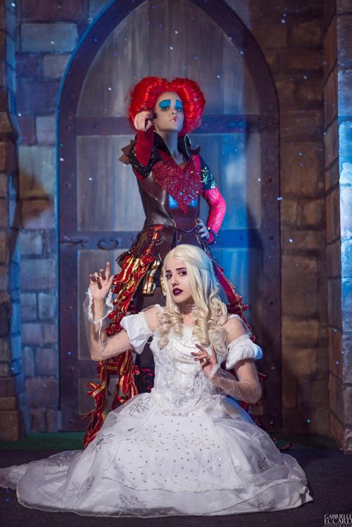 Alice in Wonderland Group Cosplay