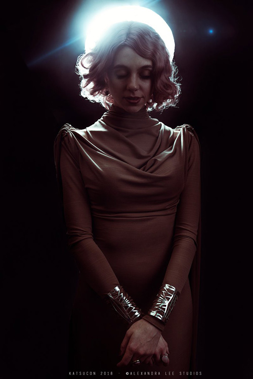vice admiral holdo cosplay