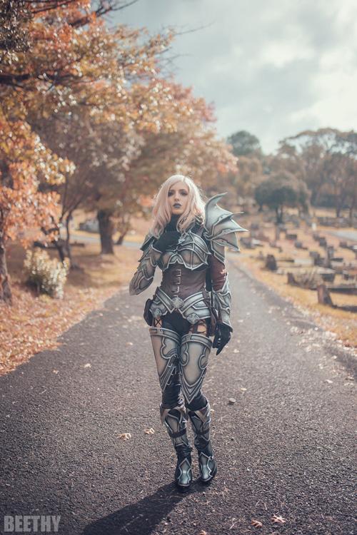 Demon Hunter from Diablo III Cosplay