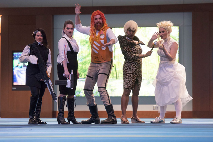 Genderswapped Fifth Element Group Cosplay