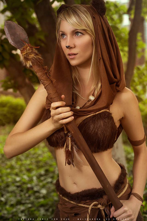Sexy Ewoks Group Cosplay